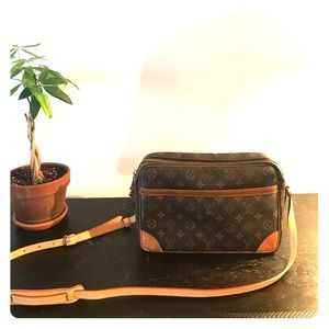 Louis Vuitton Reporter Messenger Bag